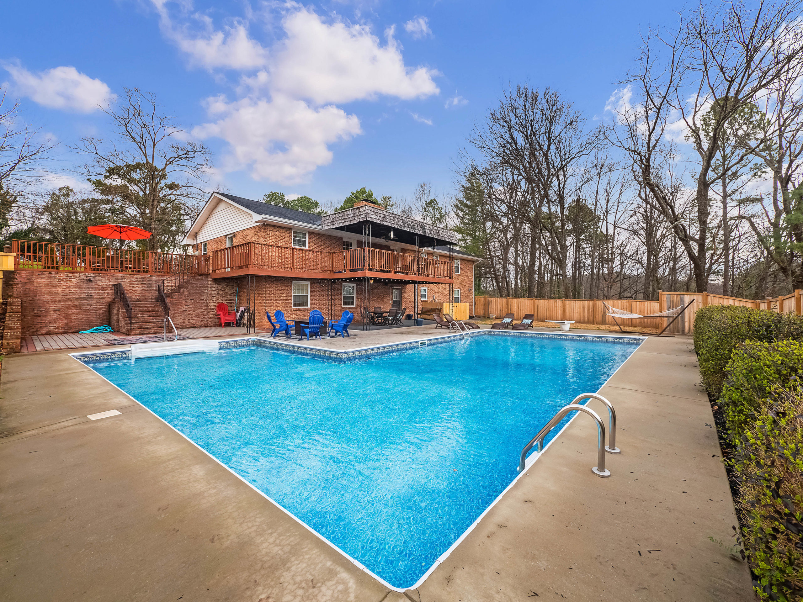 party pool entertaining area for 2418 Woolson Road